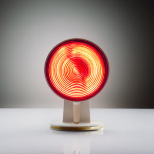 Therapie mit einer Rotlichtlampe